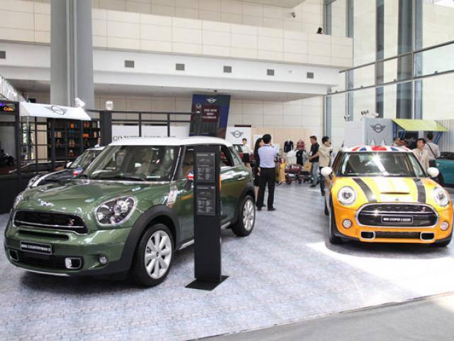 Ô tô nhập khẩu nguyên chiếc về Việt Nam giảm không phanh