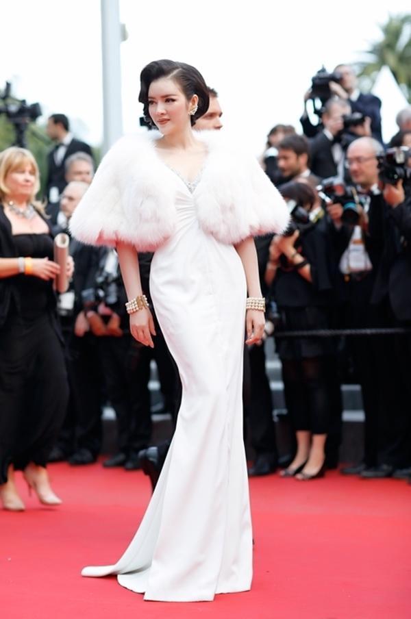 10 bộ váy đẹp điên đảo của Lý Nhã Kỳ tại LHP Cannes