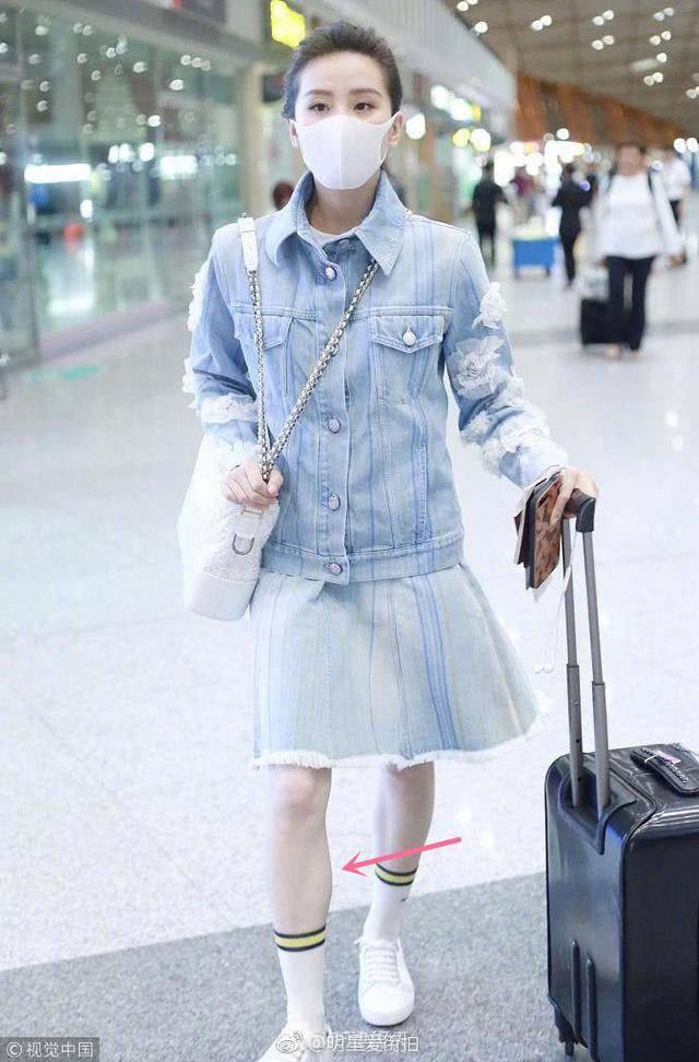 Lưu Thi Thi, Lưu Diệc Phi lộ đôi chân kém đẹp vì chọn sai giày