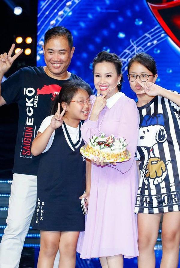 giau co nhat nhi showbiz nhung vo chong cam ly van tu nau nuong don nha lam guong cho con - 3