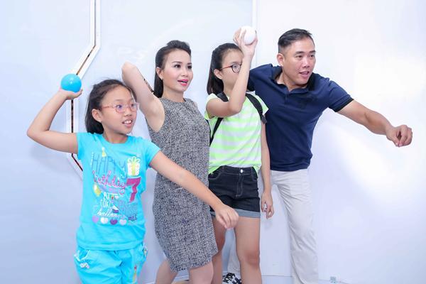 giau co nhat nhi showbiz nhung vo chong cam ly van tu nau nuong don nha lam guong cho con - 2
