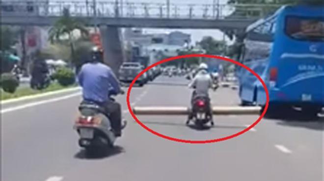 "clip: thot tim canh nu ""ninja lead"" cho thanh chan dai 4m than nhien phong tren duong - 2"