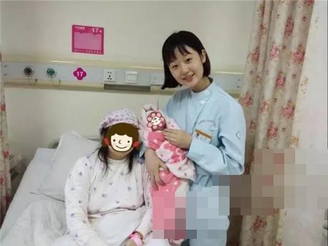 Mẹ hoảng hốt khi chuyển dạ ngoài đường giữa đêm và hành động ấm lòng của nữ y tá