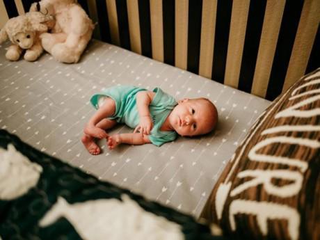 """Em bé kỳ diệu được """"ra ngoài thế giới"""" một lần trước khi chính thức chào đời"""