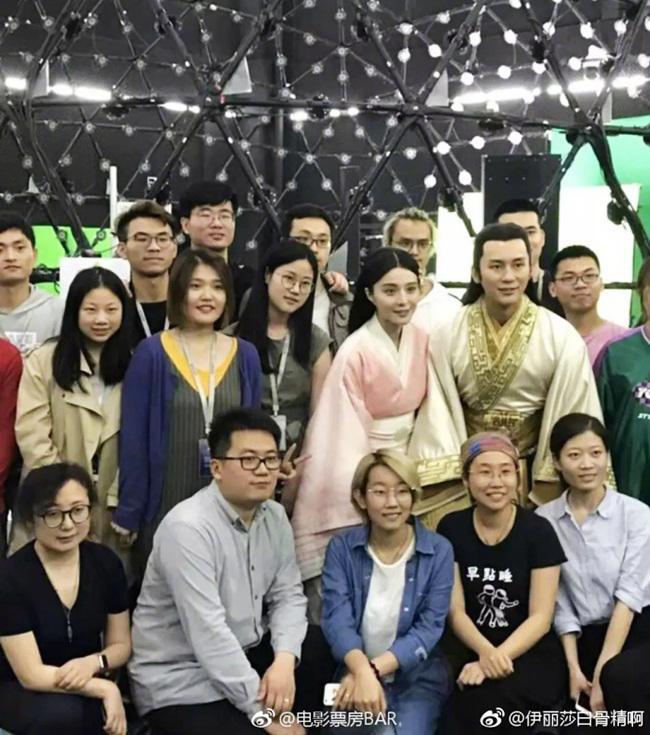 "vi qua yeu pham bang bang, ly than san long nhan phim ""tai tieng"" de giup vo sap cuoi - 4"
