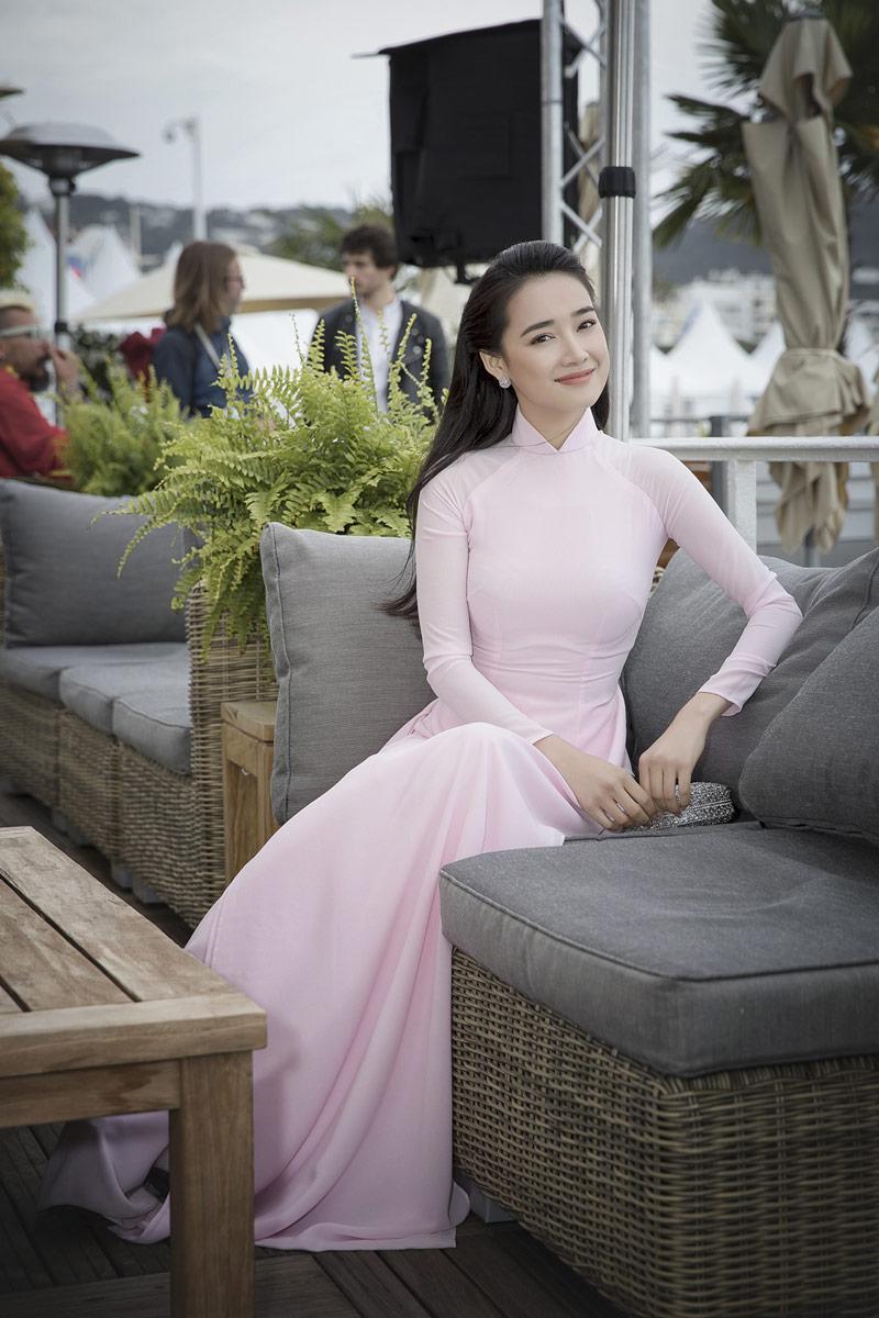 nha phuong chinh la thanh di giay cao got tai lhp cannes 2018 - 7