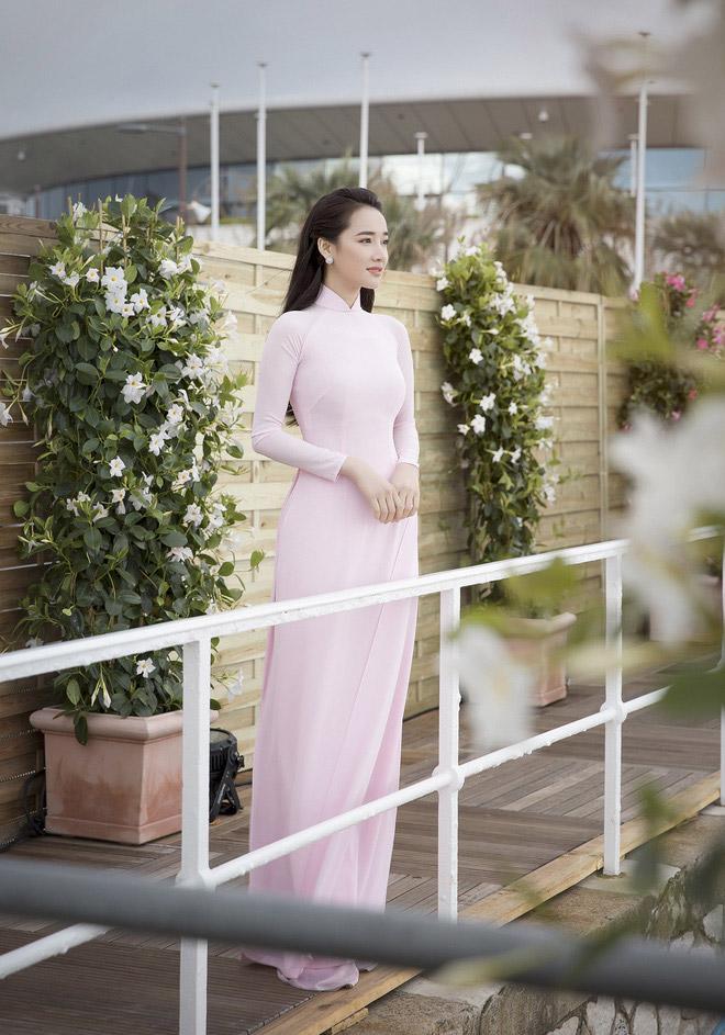 nha phuong chinh la thanh di giay cao got tai lhp cannes 2018 - 8