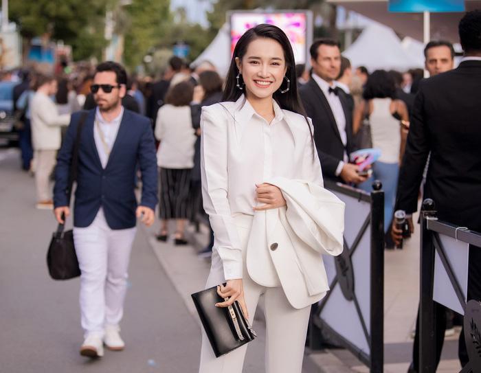 nha phuong chinh la thanh di giay cao got tai lhp cannes 2018 - 1