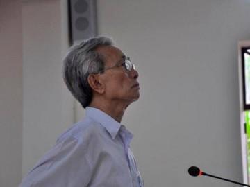 Vụ Nguyễn Khắc Thủy dâm ô trẻ em: Kháng nghị hủy án, tạm đình chỉ chủ tọa phiên tòa