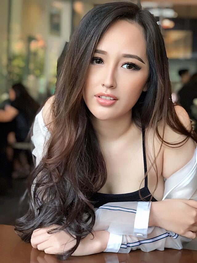 """""""co giao""""pham huong khoe dep nhu giot suong mai voi ta ao dai trang - 5"""