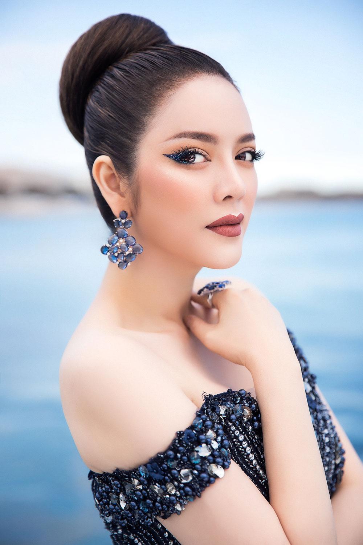 """dien vay dinh hang ngan vien pha le, ly nha ky chinh la """"nu hoang bang gia"""" cua cannes 2018 - 1"""