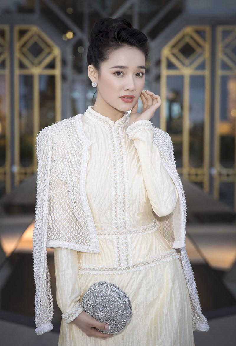 """nha phuong mang ao dai cong tri """"thap sang"""" lhp cannes 2018 - 2"""