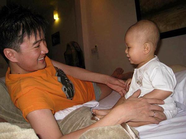 "khen 2 con ngoan, hoc gioi, mr dam khien dan mang chu y bang ket qua hoc tap ""khung"" - 6"