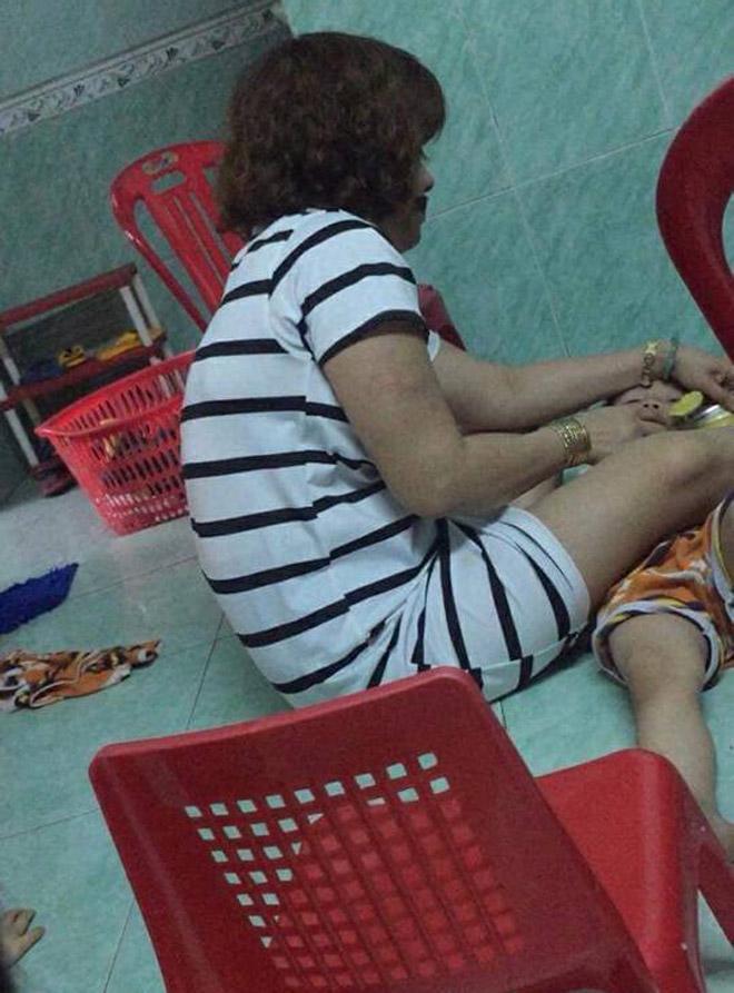 Lộ clip bảo mẫu lột trần, bóp cổ nhiều trẻ mầm non trong giờ ăn ở Đà Nẵng
