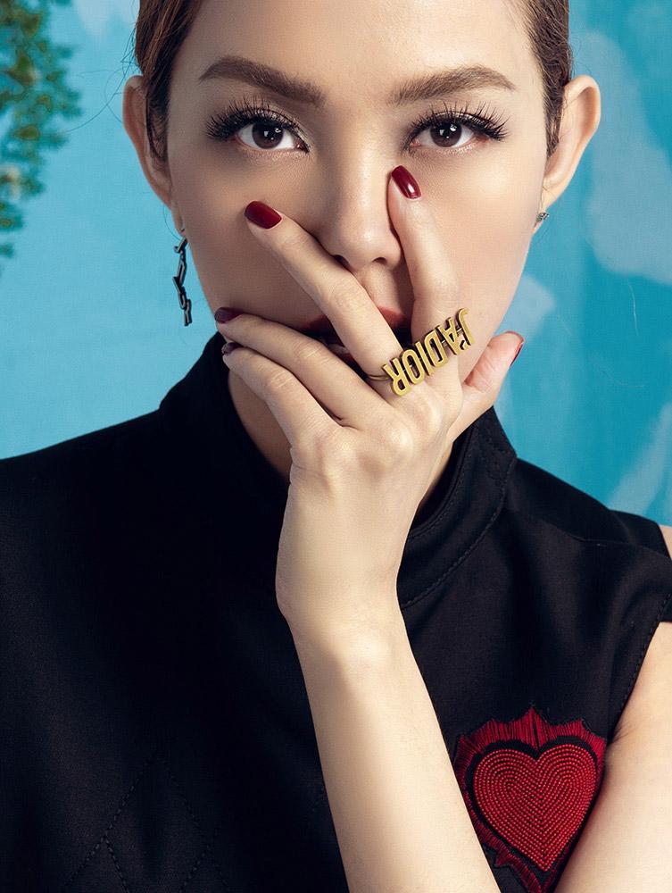 hot: minh hang chinh thuc ngoi ghe nong the face 2018 - 2