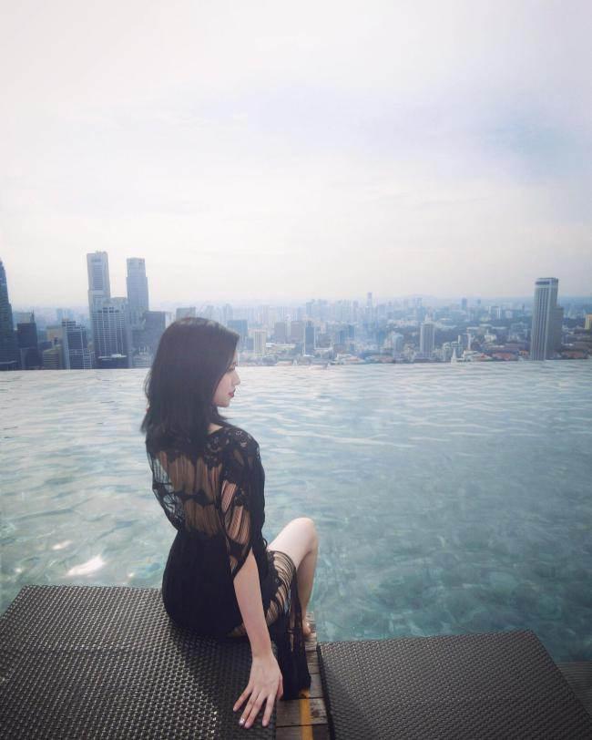 cuoc song xa hoa cua nhung hot girl bo showbiz lay chong dai gia - 4