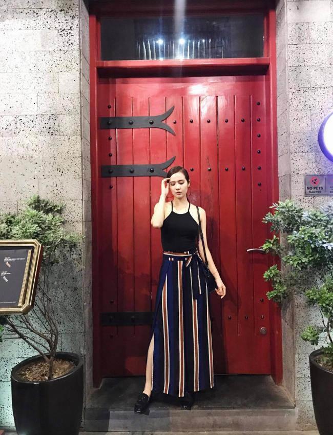 cuoc song xa hoa cua nhung hot girl bo showbiz lay chong dai gia - 12