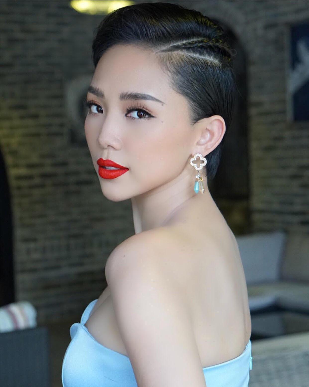 Ai nghĩ tóc ngắn khó tạo kiểu, cứ nhờ Hoa hậu H'hen Niê chỉ cho vài đường cơ bản