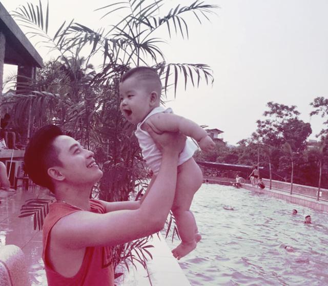 "be trai 19 thang ngu say trong 1 phut nho duoc bo ru theo cach ""chang giong ai"" - 4"