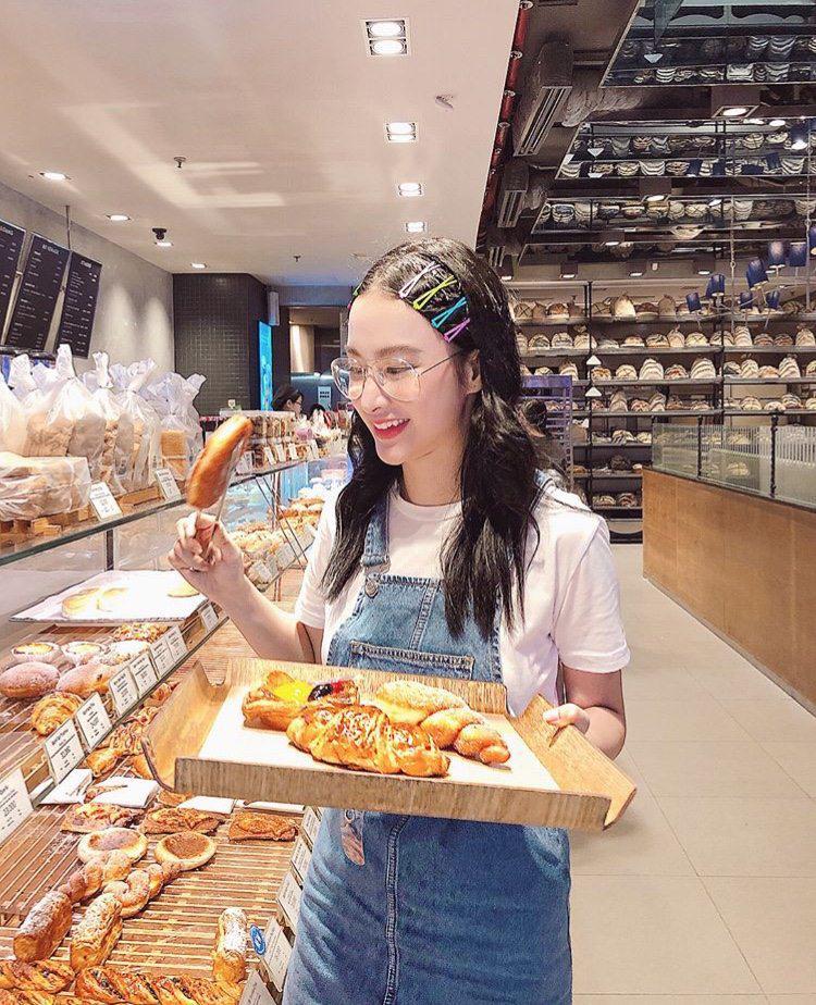 """angela phuong trinh """"chao he"""" bang hang loat vay ao tre trung, sanh dieu - 3"""