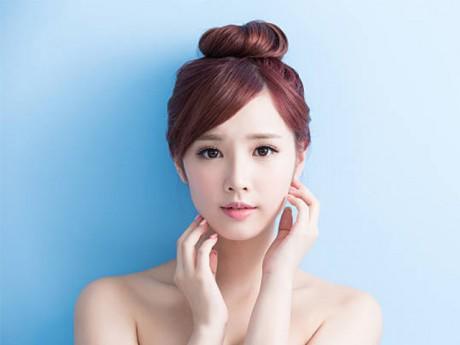 Học lỏm bí quyết giúp các chị em chăm sóc da mặt nhanh gọn lại đẹp không tì vết