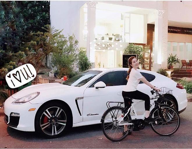 30 tuổi Bảo Thy đã có đủ đồ hiệu đắt tiền, xe hơi bạc tỷ, biệt thự hoành tráng