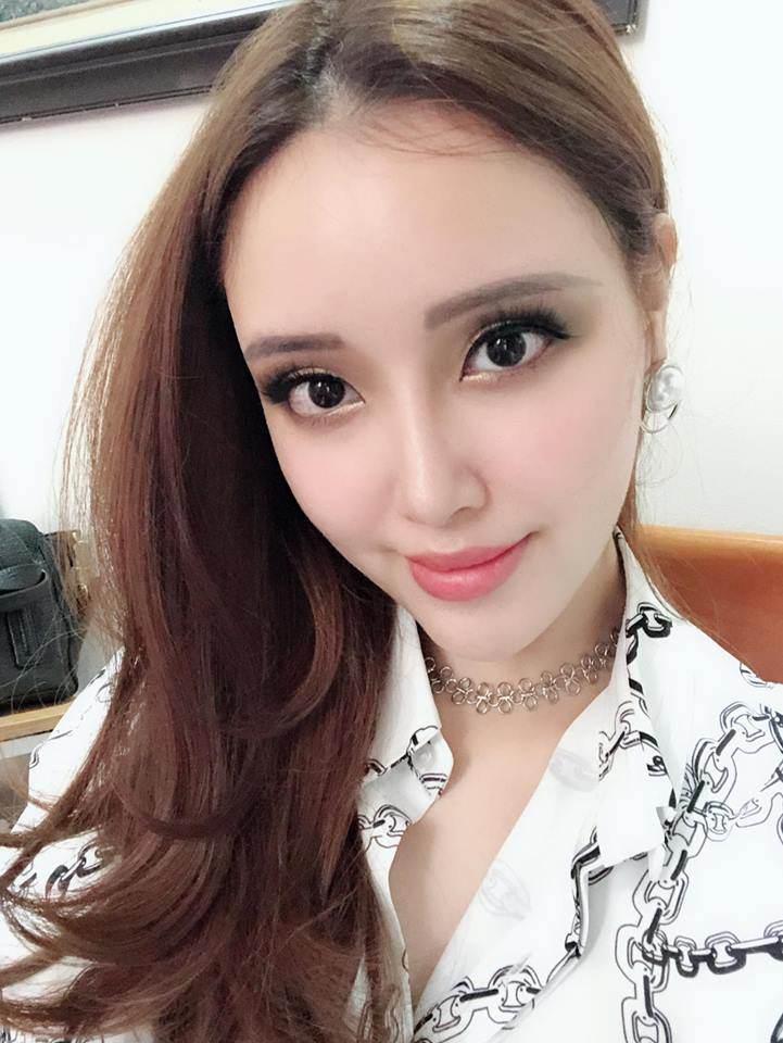 em gai cao 1m78 cua mai phuong thuy duoc khen ngoi xinh hon ca chi gio ra sao? - 14