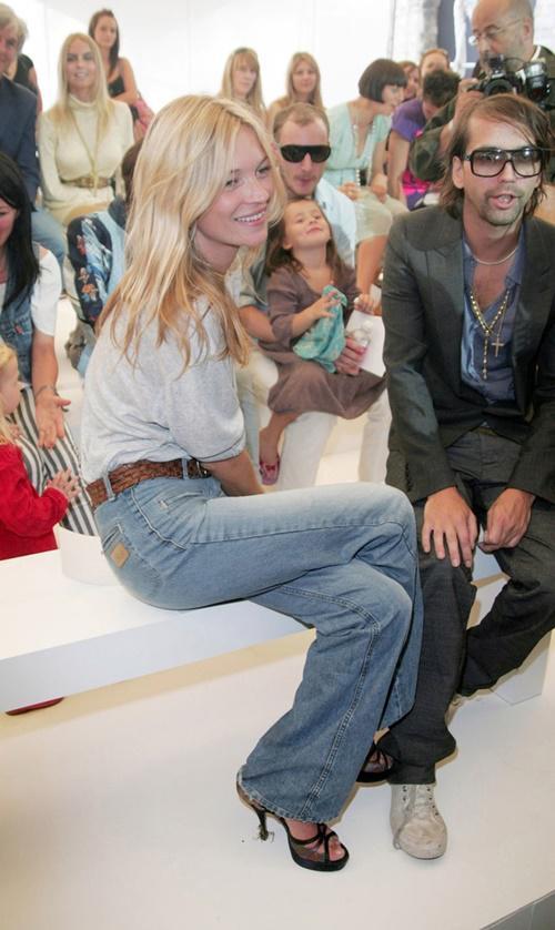 kiẻu quàn jeans vùa thoải mái lại khong lõi mót dang duọc lòng chị em - 2