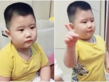 """Chuyện thú vị về cậu bé sợ """"bà kẹ"""" google gây sốt MXH: 3 tuổi nói Tiếng Anh vanh vách"""