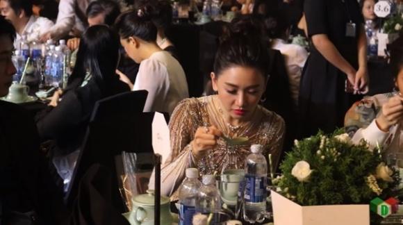 "khan gia benh vuc hari won sau doan video khien co bi che la ""pham an tuc uong"" - 1"