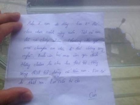 """Vợ bỏ đi để lại 2 con nhỏ cùng lời nhắn: """"Em muốn đi thật xa, em cần tự do"""""""