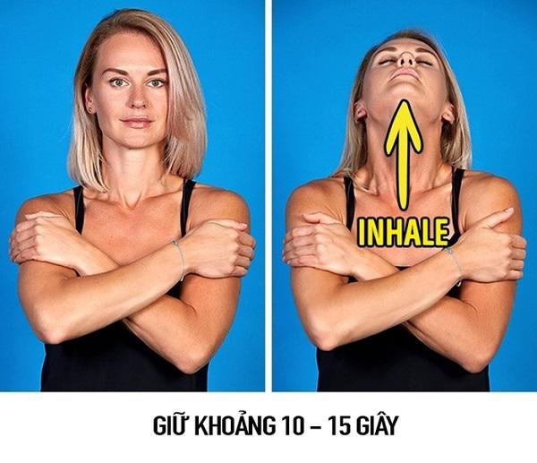 """so huu guong mat v-line khong dung """"dao keo"""" chi voi 9 dong tac massage don gian - 3"""