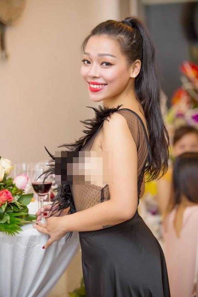 "phan ung bat ngo cua my nhan viet khi bi che ""mac nhu khong"" - 19"