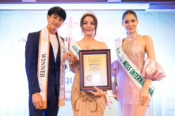 Hoa hậu Trái đất Thái Lan trao vương miện cho Tân Nữ hoàng sắc đẹp châu Á Vi Nhạn Ngọc - 1