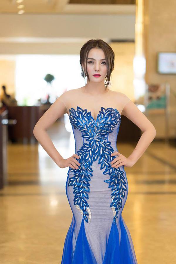 Hoa hậu Trái đất Thái Lan trao vương miện cho Tân Nữ hoàng sắc đẹp châu Á Vi Nhạn Ngọc - 2