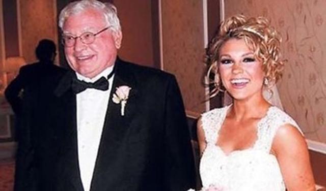 Tin tức 24h: Thêm tình tiết mới vụ CSGT vào nhà nghỉ với cô giáo đã có chồng - 3