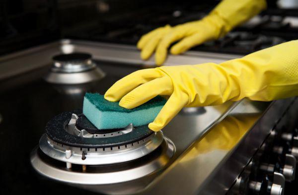 Mẹo làm sạch bếp gas bằng nguyên liệu sẵn có