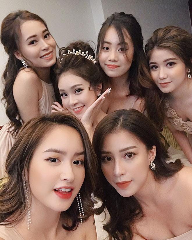 "choang voi dan phu dau ha noi ""dep nhat nam"", co dau mat hut giua dan my nu - 1"