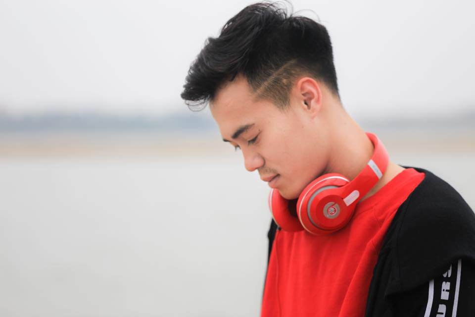 """Ngắm loạt ảnh thuở bé mũm mĩm đáng yêu của """"người hùng"""" U23 Văn Toàn"""